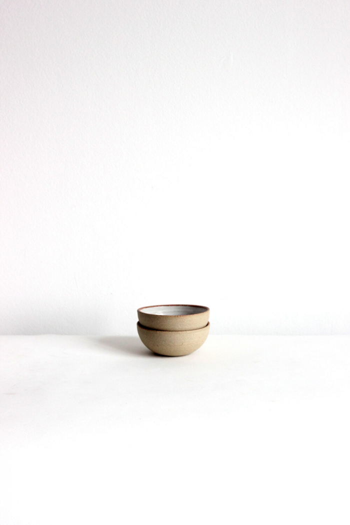 Small simple brown bowl, elegantly finished.